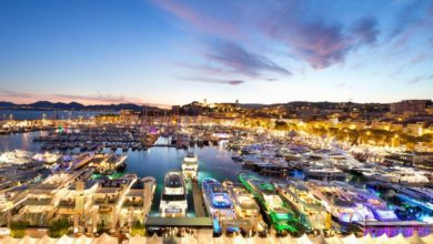 Cannes Yachting Festival 2021 lounge and port